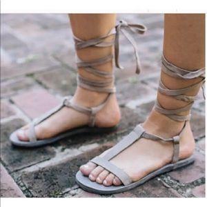💥HOST PICK💥Free People 6.5 Gladiator Sandal